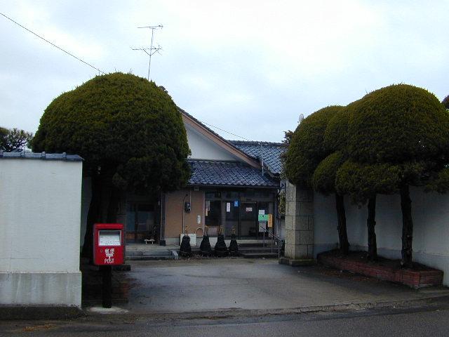 ポスト写真 : 四ツ郷屋簡易郵便局(2006/02/07) : 四ツ郷屋簡易郵便局の前 : 新潟県新潟市西区四ツ郷屋1779