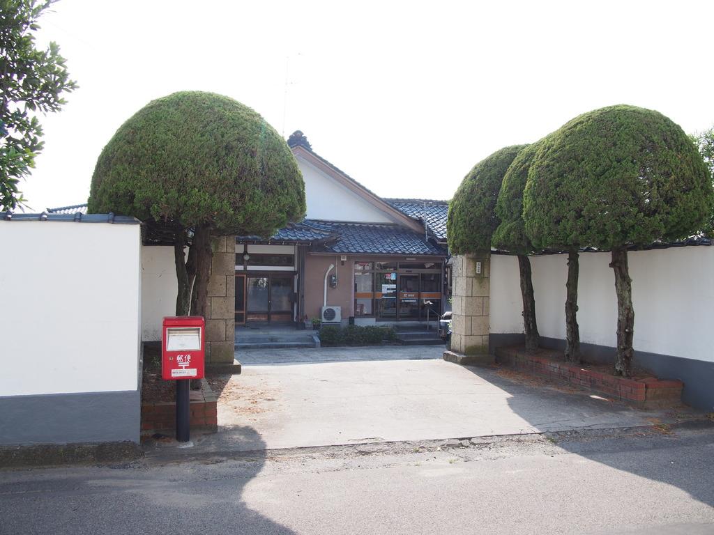 ポスト写真 : 四ツ郷屋簡易 2 : 四ツ郷屋簡易郵便局の前 : 新潟県新潟市西区四ツ郷屋1779
